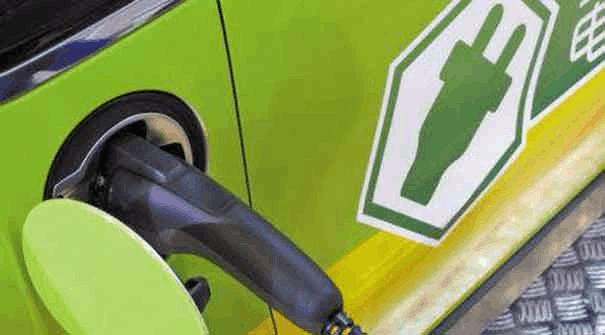 前7月 我国新能源汽车销量增加两成