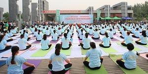 山西:倡导全民健身 喜迎6.21国际瑜伽日