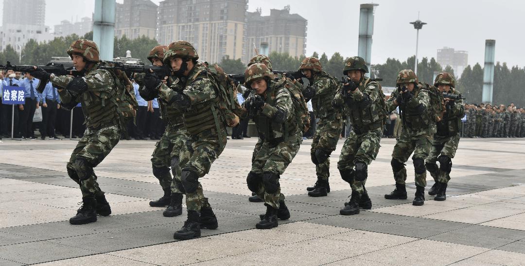 社旗县举行十九大安保誓师暨反恐演练活动