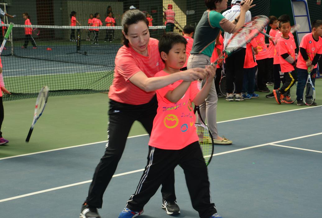 郑洁杯青少年网球赛开赛 大满贯得主郑洁出席
