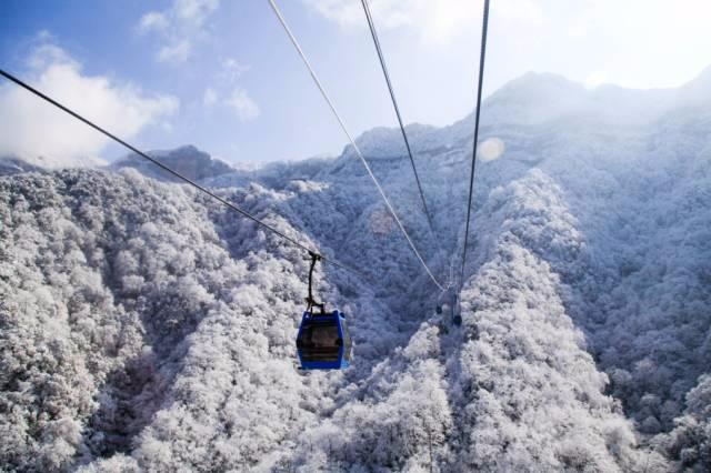 大雪纷飞 来重庆这些地方滑雪吧!