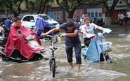 郑州遭遇短时特大暴雨