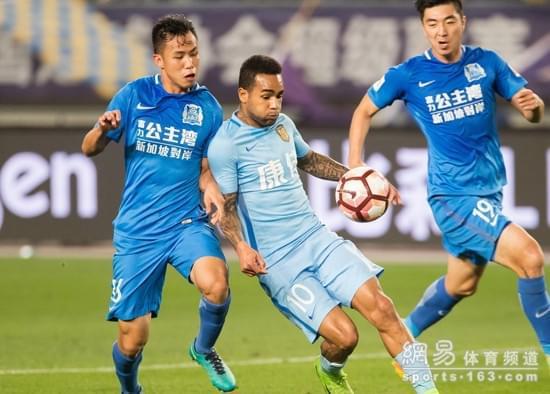 在对阵苏宁的比赛中,黄政宇很好的限制了苏宁核心特谢拉,帮助球队客场取胜。