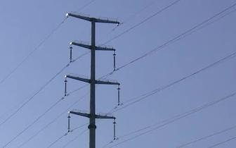 """长治:泵车""""亲近""""高压线 造成大面积停电"""