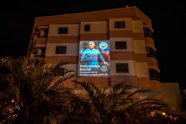 大卫·席尔瓦:大加那利岛的马拉内乌拉斯海滩,小时候曾经在这踢球