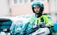 美女交警与人工智能搭档