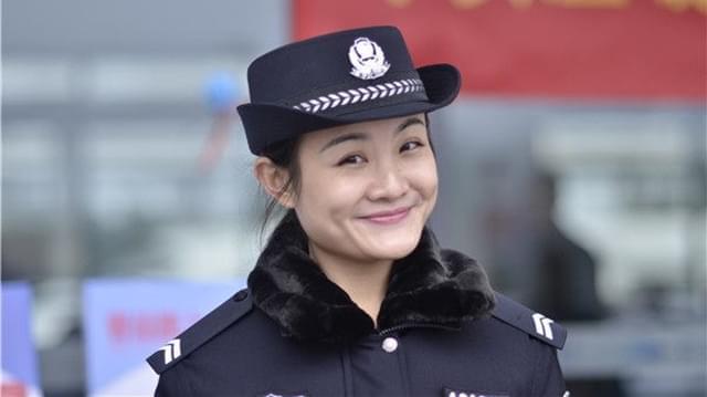 """广西90后铁路警花绘超萌春运漫画""""黎小糖""""走红"""
