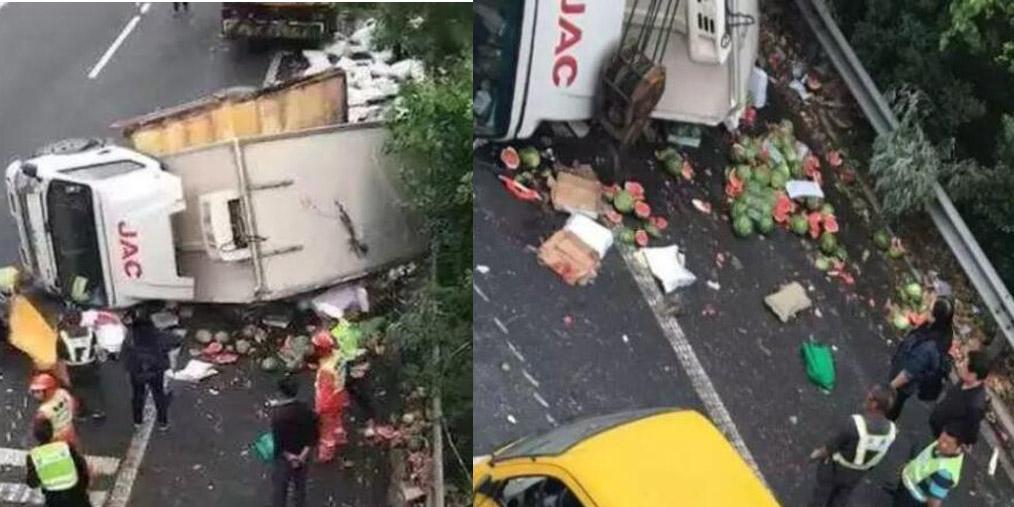 货车侧翻司机死亡 数吨西瓜散落一地