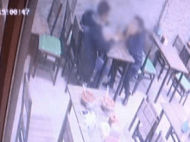 长春男子饭店用餐遗失手机 监控拍下可疑人