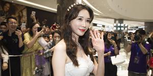林志玲穿白纱裙似新娘