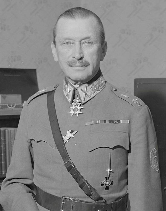 二:战争时代作为芬兰元帅、国防军司令的曼纳海姆