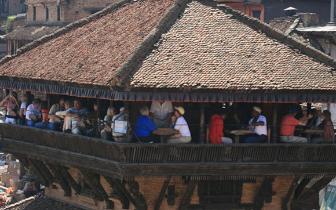 """在""""活着的遗产""""巴德岗 像尼泊尔人一样吃喝"""