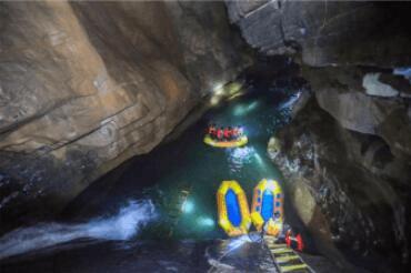武隆现长约五公里洞穴 探险队洞中发现神奇生物