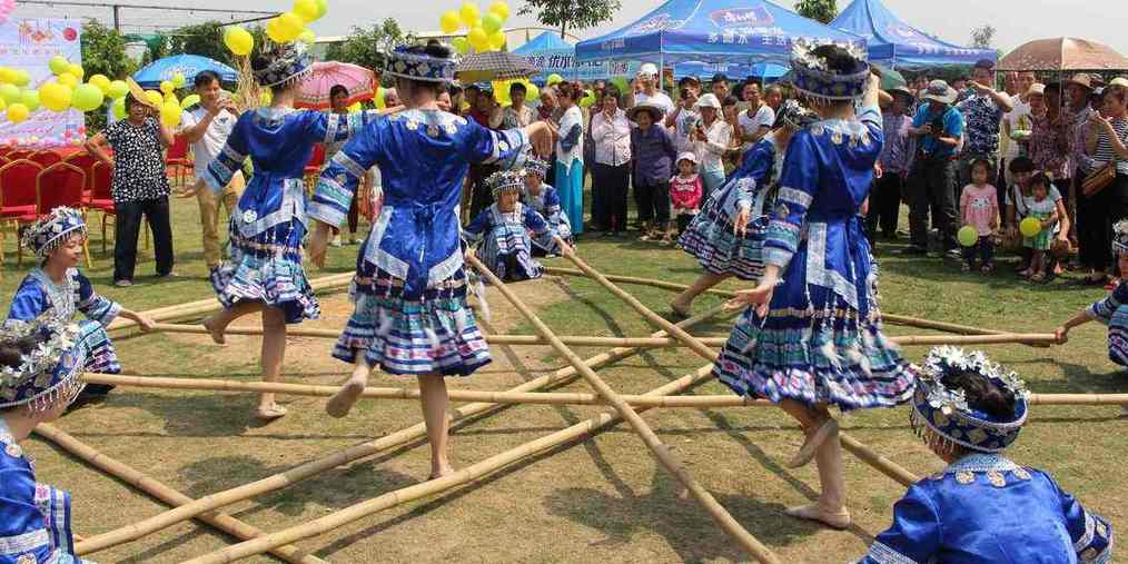 三月三第一天 看壮族小易玩民族体育竞技