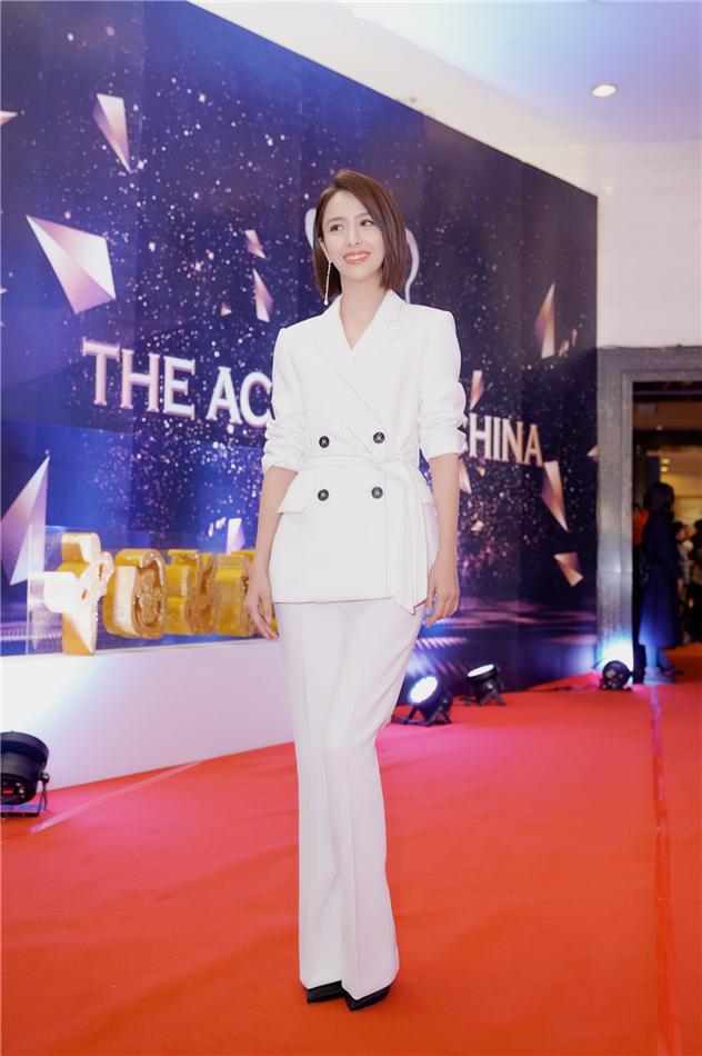 佟丽娅获中国好演员表彰 不断突破坚守演员责任