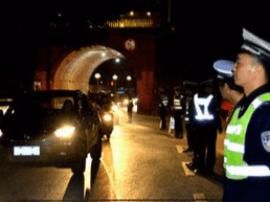 阳江警方开展夜查行动 出动警车25辆次