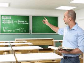 """大学教师对知识进行包装探索""""段子式""""课堂"""