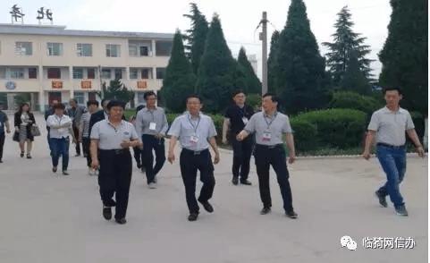 临猗北辛乡人大主席团一行对5单位进行食品安全调研