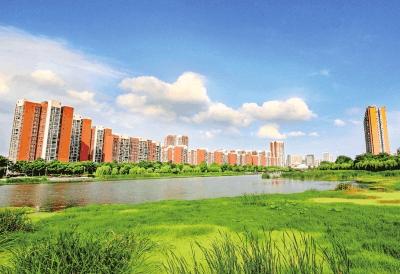 蓝天白云靓荆州 荆襄河湿地公园风景如画醉游人