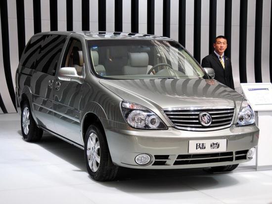 十九年的时间里,从来没有一款车能够真正挑战GL8在商务MPV市场的王者地位