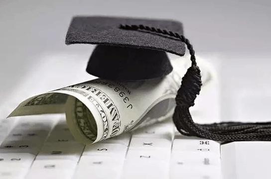 中国学生去美国留学应该如何申请奖学金