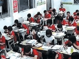 山东多所学校教室实况被直播 传个纸条都被播出去