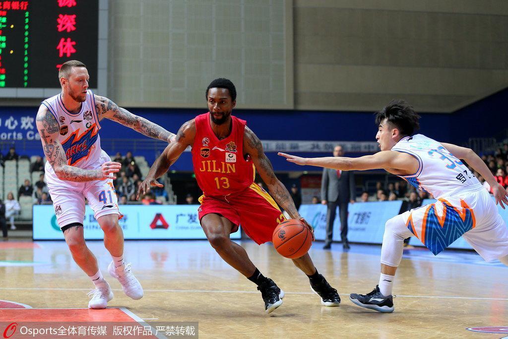 上海18分大胜送吉林6连败 弗神34+10兰德里25分