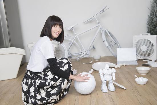 郭美美新专辑第二波主打MV发布 以全新形象品味孤独生活