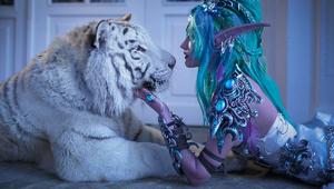 果然是战斗民族!美女COS魔兽泰兰德居然还有真白虎出境