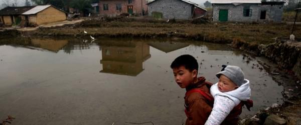 当房屋和垃圾占满了河道,我不愿再回家乡