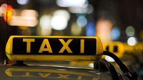 人物| 将乘客赶下车的出租车司机