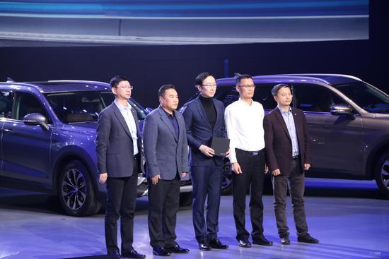 首批车主含导演陆川  中华V6售8.79万起