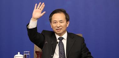 环保部部长李干杰回答记者提问