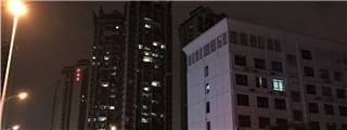 夜探南宁凤岭北10盘亮灯率 片区某楼盘亮灯达九