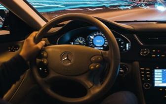 开车时定速巡航突然失控 怎么做才能保命?