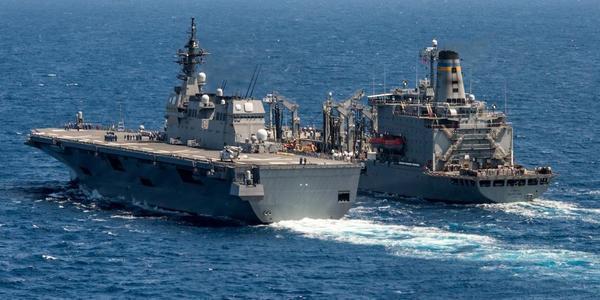 日准航母同美航母齐聚南海