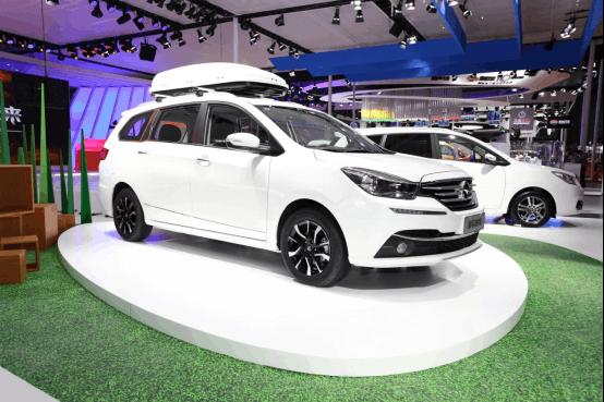 新款福美来七座多功能轿车亮相上海车展