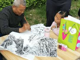 """退休工人当起""""马路艺术家"""" 76岁学跳街舞"""