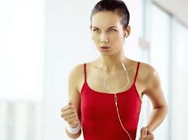 女人经常运动的好处多 能够控制体重
