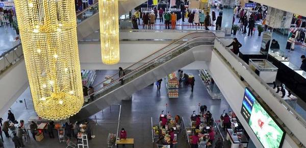 """实拍朝鲜百货大楼:东西还挺全 不少""""中国造"""""""