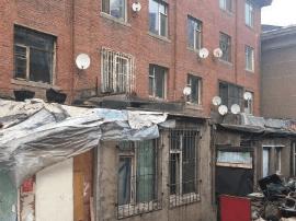 宽城区新发街道一天拆除芷江路违建1100平方米