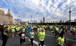 马拉松跑出完整产业链 你一年跑马花多少钱?