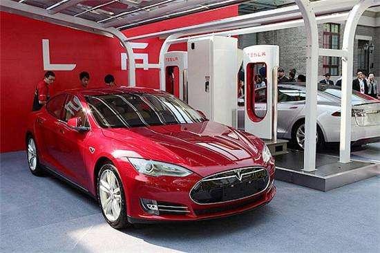 """特斯拉去年日产15辆Model 3 """"难产""""问题仍待解"""