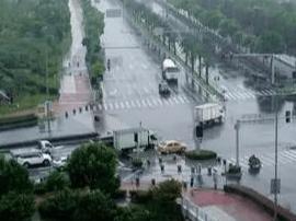 """台风""""苏拉""""移动路径存在不确定性 福建部署防御"""