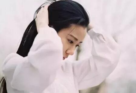 21岁女生出现更年期症状 她这个坏习惯很多人都有