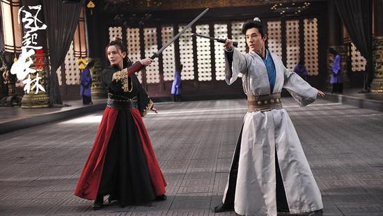 施诗刘昊然比剑