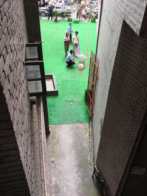 夫妻吵架男子跳楼身亡/重庆网络广播电视台