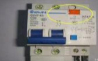 配电箱上的生命安全键,记得每月按一次!多亏老师傅提