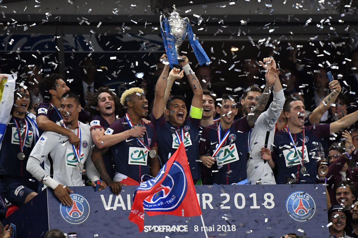 法国杯-卡瓦尼点射 巴黎2-0夺冠收获国内三冠王
