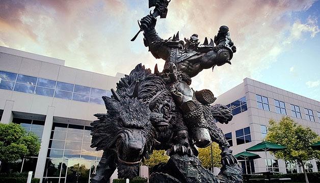 暴雪总部的那座狼骑兵雕像 竟然也是中国制造